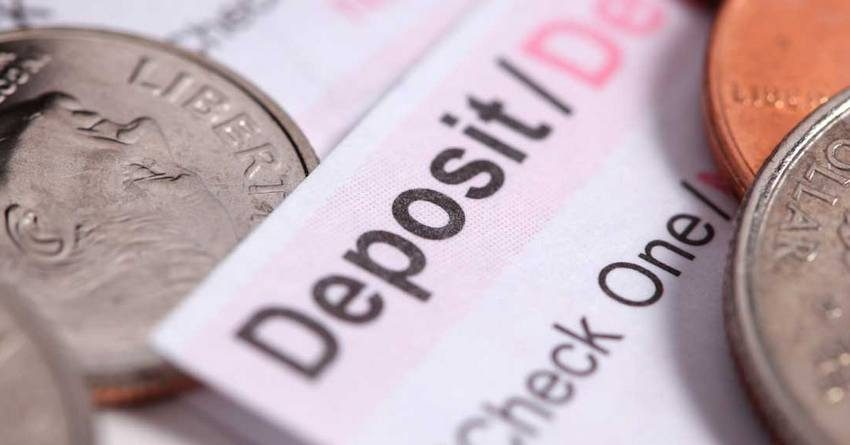 В августе валютные депозиты выросли значительнее сомовых