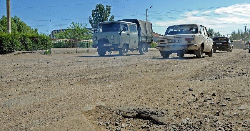 В 2017 году ремонт 5 км дорог в Караколе обойдется в 150 млн сомов