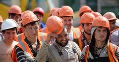 Мигрантам в России начнут платить пенсию