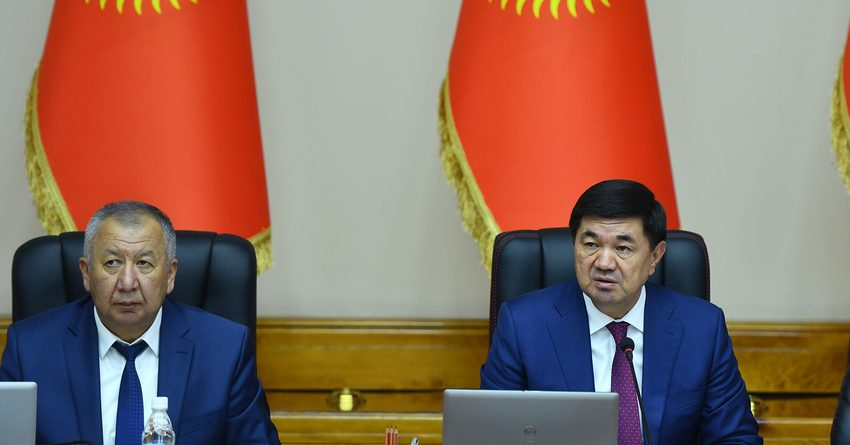 Регионам не стоит ждать помощи, нужно самим искать выход — Абылгазиев