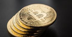 Цена биткоина выросла до $29 тысяч