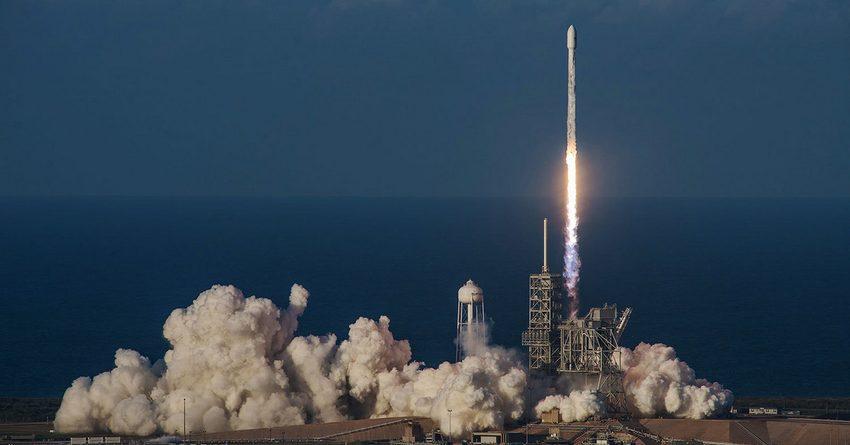 В США запустили спутник для обеспечения самолетов и судов Wi-Fi