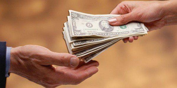 В КР за дачу денег взаймы теперь могут привлечь к уголовной ответственности