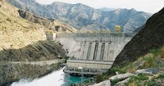 Атамбаев одобрил получение еще $110 млн от АБР на реабилитацию Токтогульской ГЭС
