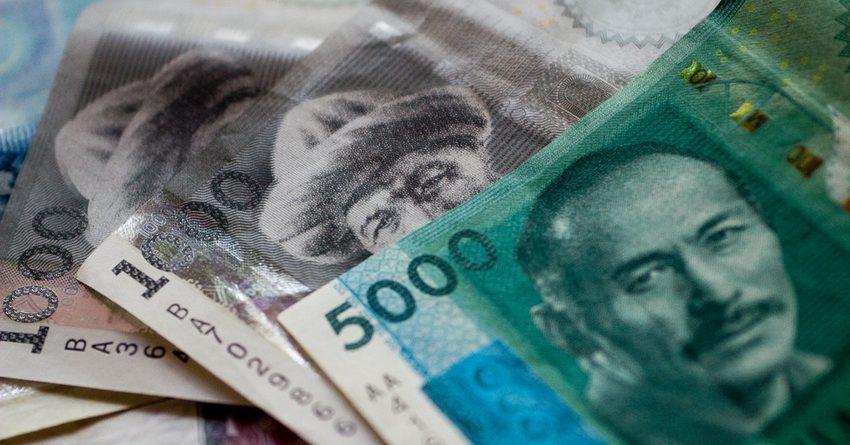 Бишкеку выделили 744 млн сомов на выплату зарплат и отпускных учителям