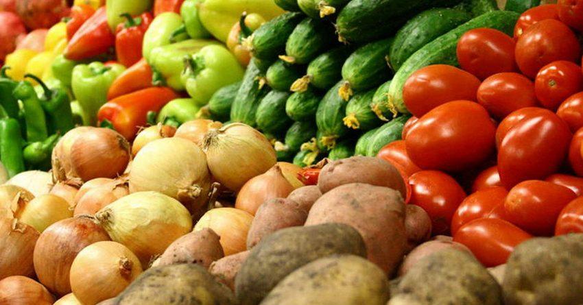 В двух торговых объектах Бишкека выявили факты завышения цен на продукты