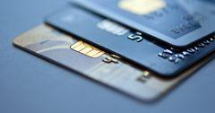 Банки РФ снижают лимиты по кредиткам
