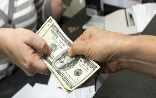 Нацбанк не вводил ограничений по сумме покупки и продажи долларов